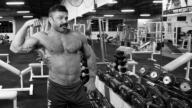 Biceps How 2 film.00 04 08 11.Still007