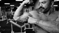 Biceps How 2 film.00 04 30 07.Still009